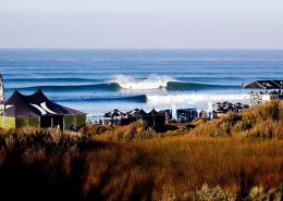 surf-competition-hurley--waves-breaking