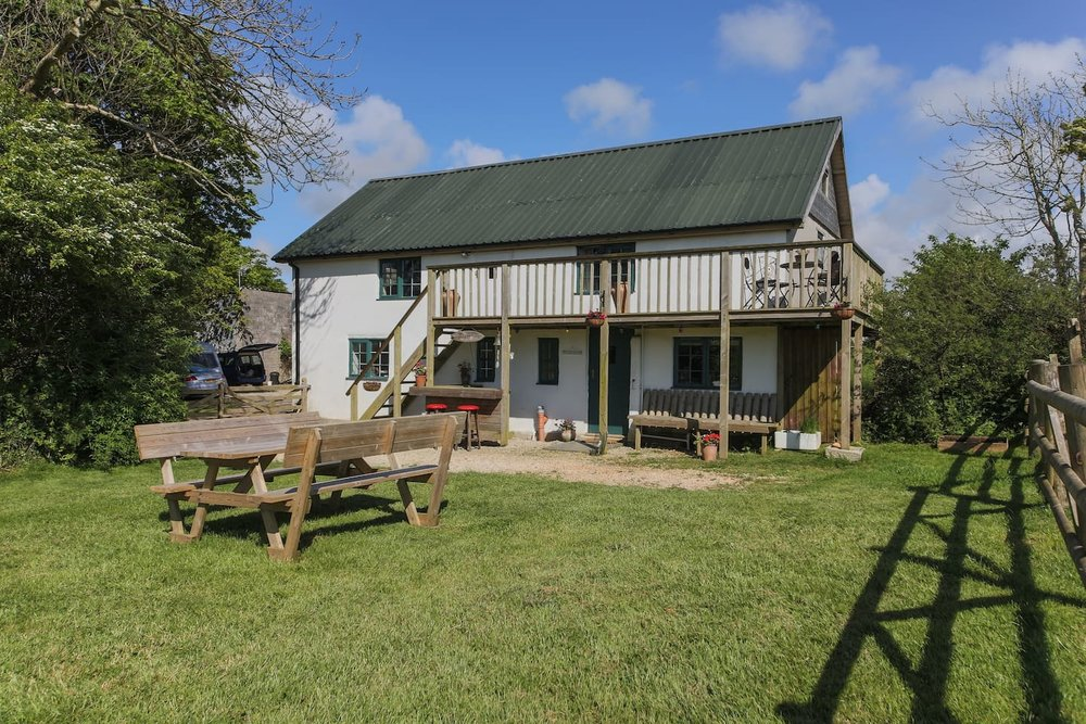 holiday-farm-cottage-newquay
