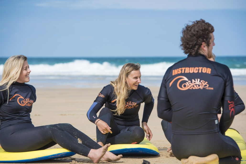 hen-party-beach-surf-lesson