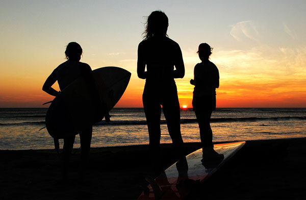 sunset-surf-lesson-cornwall