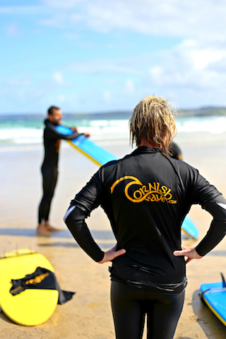 surfers-lesson-pupil-instructor