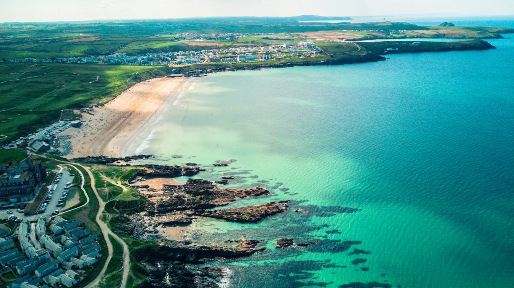 Guide to surfing beaches in Newquay: Fistral beach