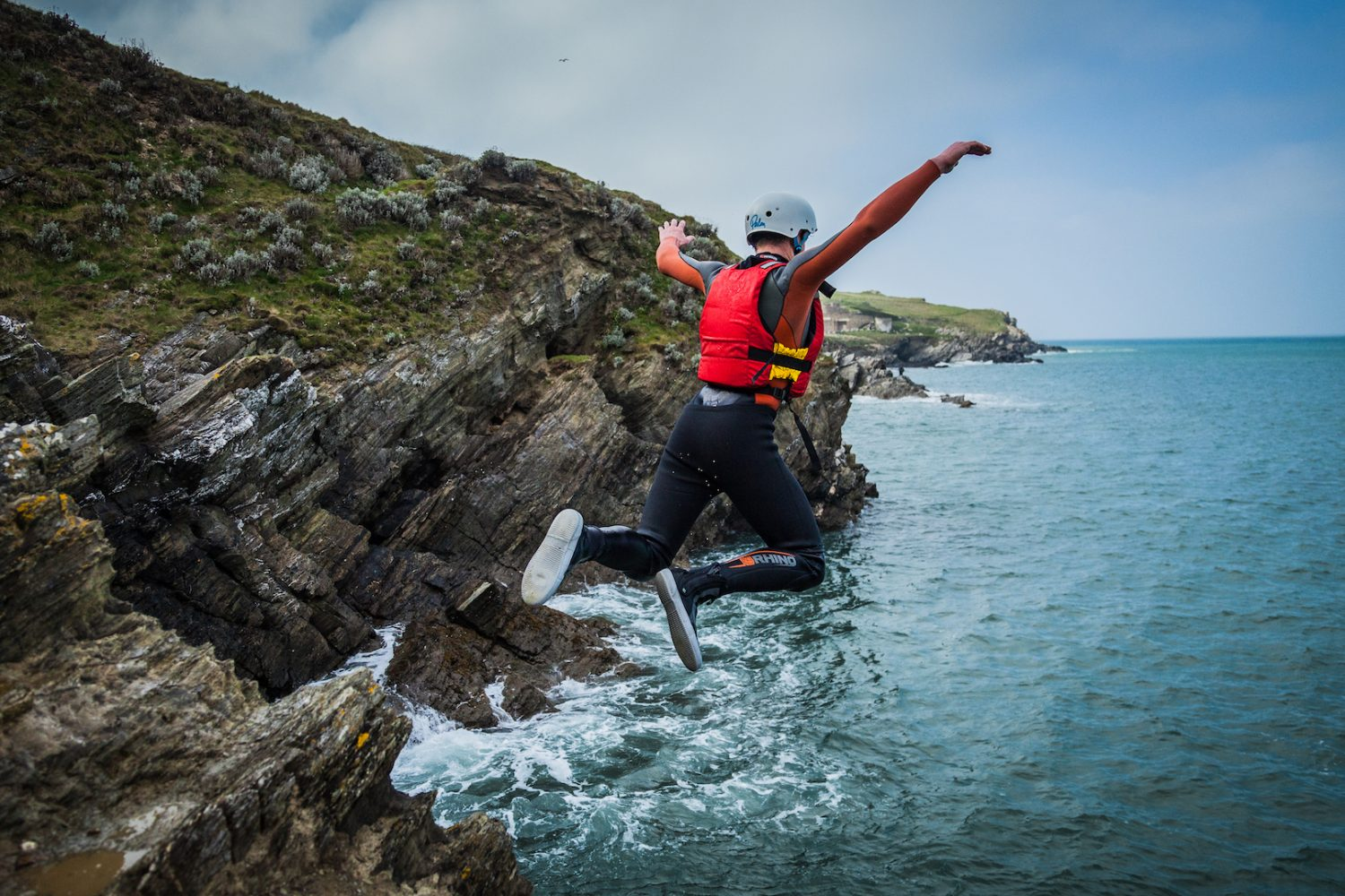 coasteering-cliff-jump