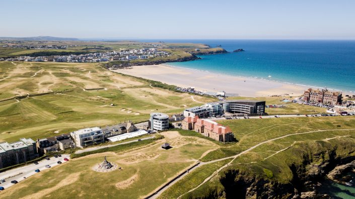 fistral beach surfing lesson