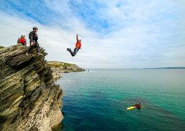 top-5-things-to-do-in-newquay-coasteering